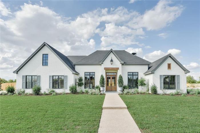 Terrific Magnolia Home Signature Paint Homes In Waco Texas Download Free Architecture Designs Ferenbritishbridgeorg