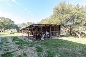 LUXURY BARNDOMINIUM FOR SALE LISTED BY MAGNOLIA REALTY