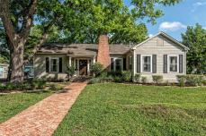 HGTV Dutch Door House in Waco Texas For Sale, $349k